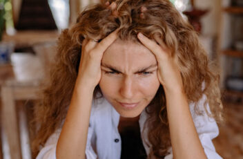 featured-image-Things-to-do-when-suffering-from-migraines.jpg